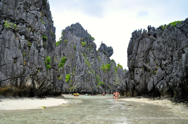 Going to Hidden Beach El Nido
