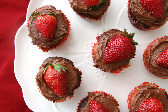 strawberry chocolate cupcakes 4