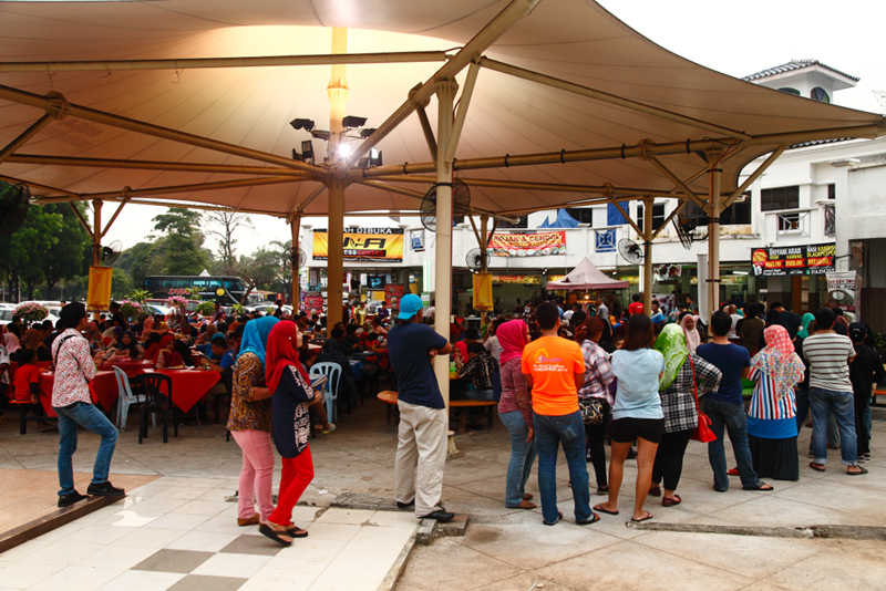 Rojak & Cendol Shah Alam Queue