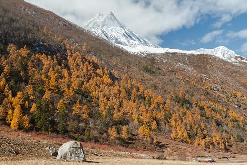 nepal mountain himalaya manaslu westernregion manaslucircuit mountainkingdoms samagaun 8156m