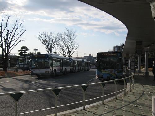 中山競馬場の中央門前バスターミナル