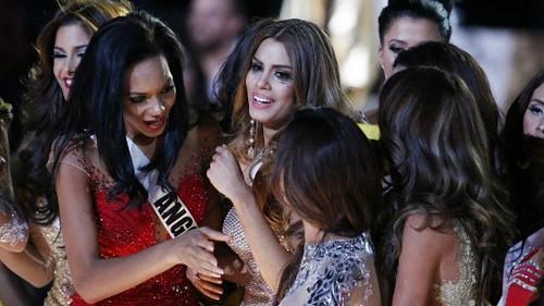 Спочатку корону «Міс Всесвіт» вручили не тій