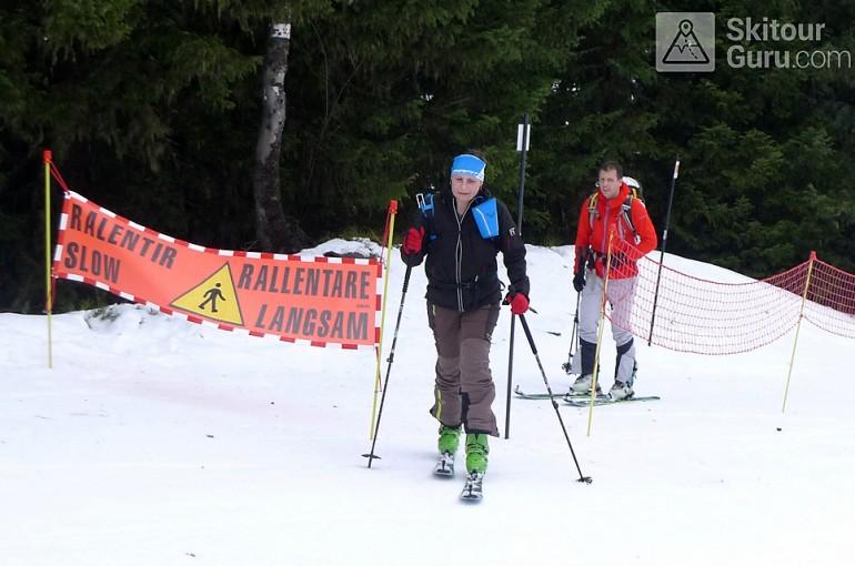 Na skialpech po umělém sněhu