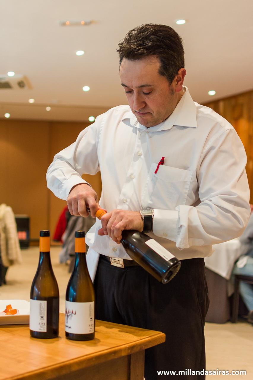 Apertura del vino en la XV aula de cocina de otoño