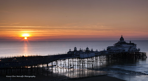 ocean uk sky beach sunrise dawn sussex pier seaside spring sand waves westsussex eastbourne pleasurepier
