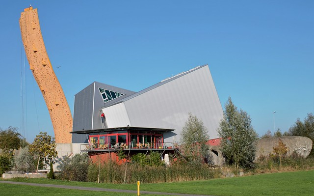 Excalibur Groningen climbing tower Netherlands full building (2)