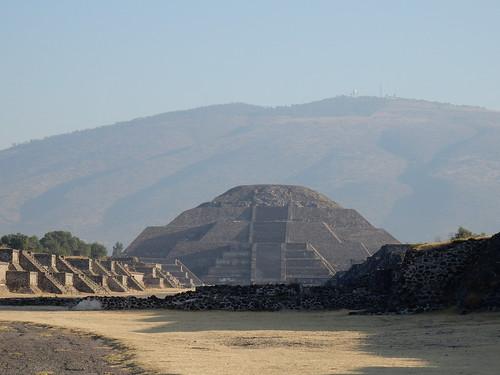Teotihuacan - Piramide de la Luna
