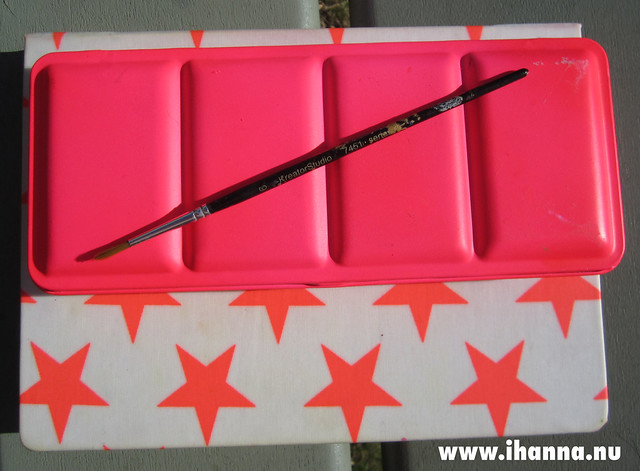 The iHanna Neon Pink Watercolor box by iHanna