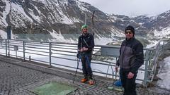 Widok z zapory na jezioro Lago di Gera - Tomek i Albert