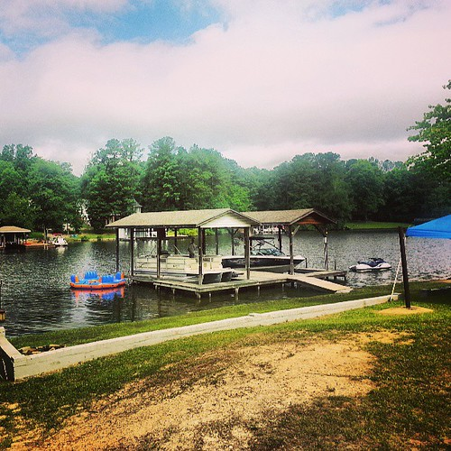uploaded:by=flickstagram instagram:venuename=lakegaston instagram:venue=853978247 instagram:photo=48515835612621964038433534