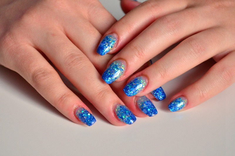 blue gelnails