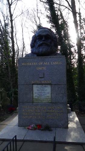 Highgate Cemetery Dec 15 (12)