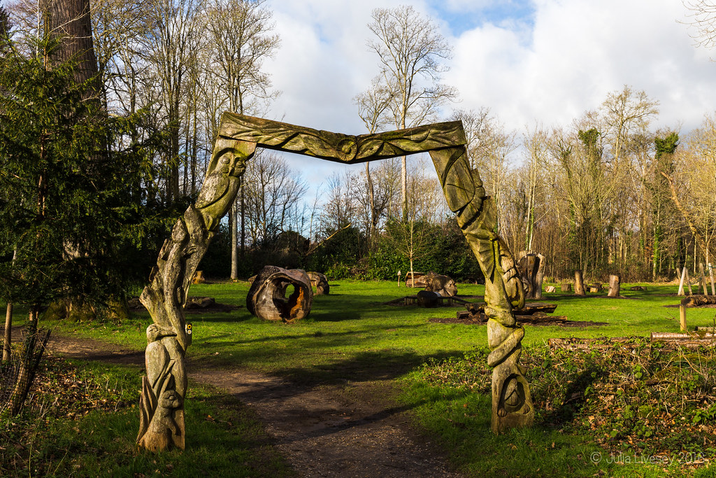 Entrance to the play are and Woodland Walk