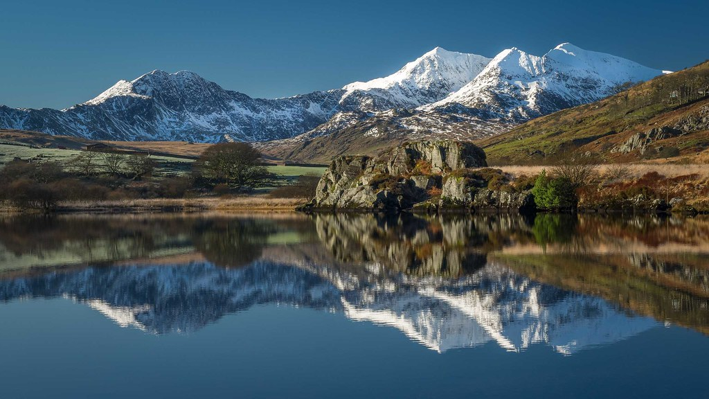 2016_Reflections on Llynnau Mymbyr