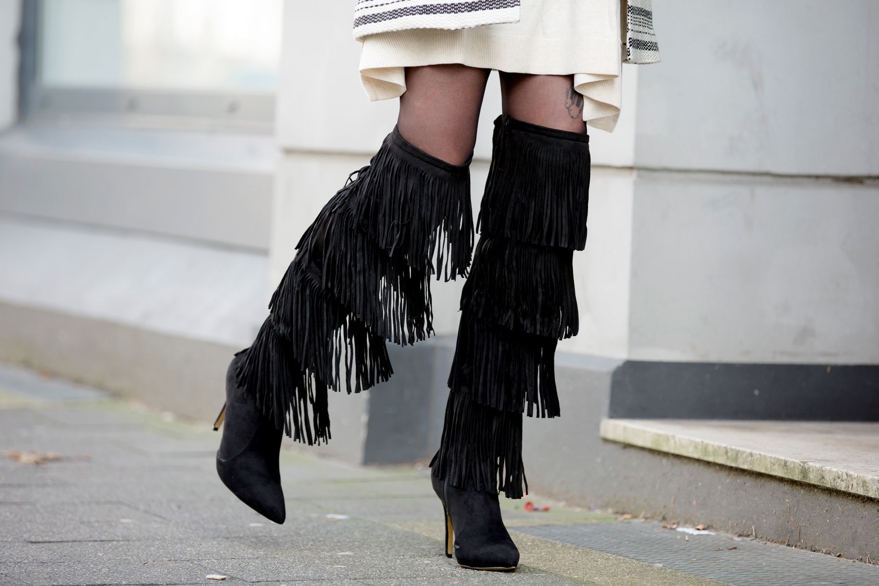 fringed overknee boots sacha lampshading stripes francaise cute parisienne red lips ysl proenza schouler luxury fashion blogger dusseldorf berlin germany 3