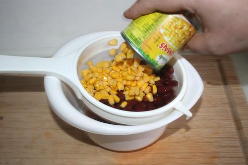 44 - Kidneybohnen & Mais abtropfen lassen / Drain kidney beans & corn