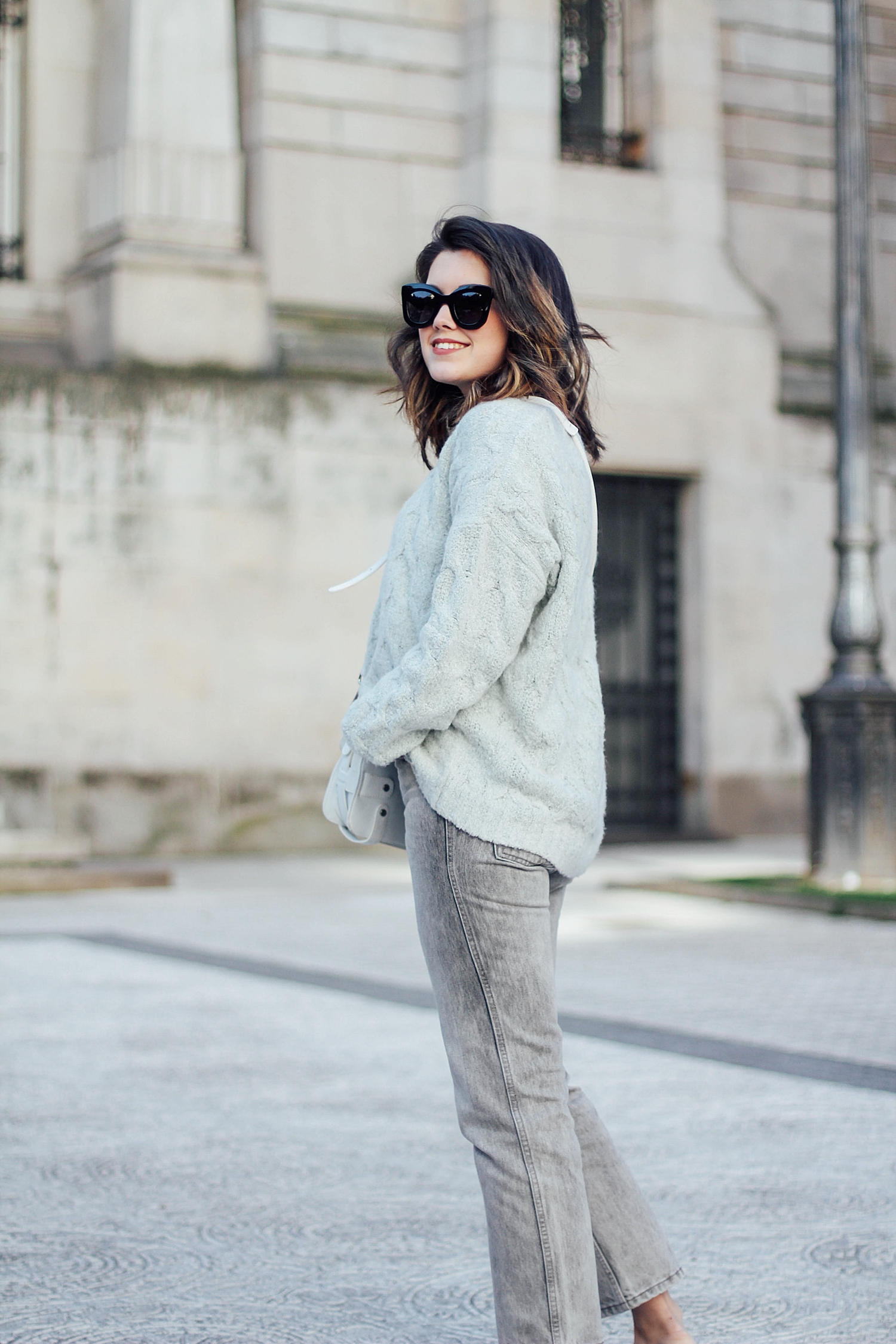 mint_sweater_levi's denim jacket vintage_mom jeans_gucci loafers_celine sunglasses_baby marta_streetstyle