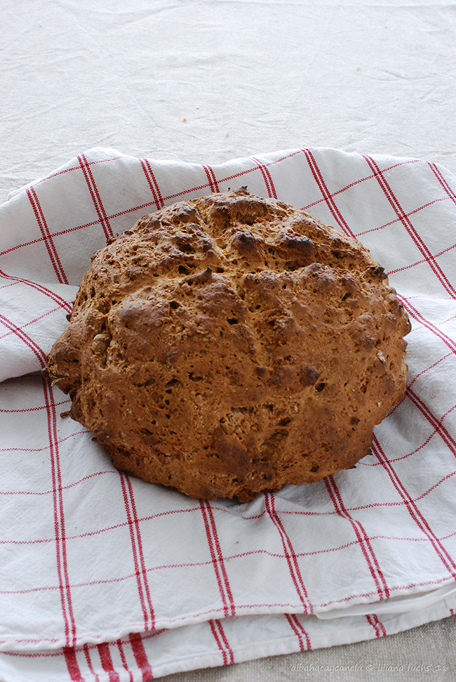 Molasses soda bread