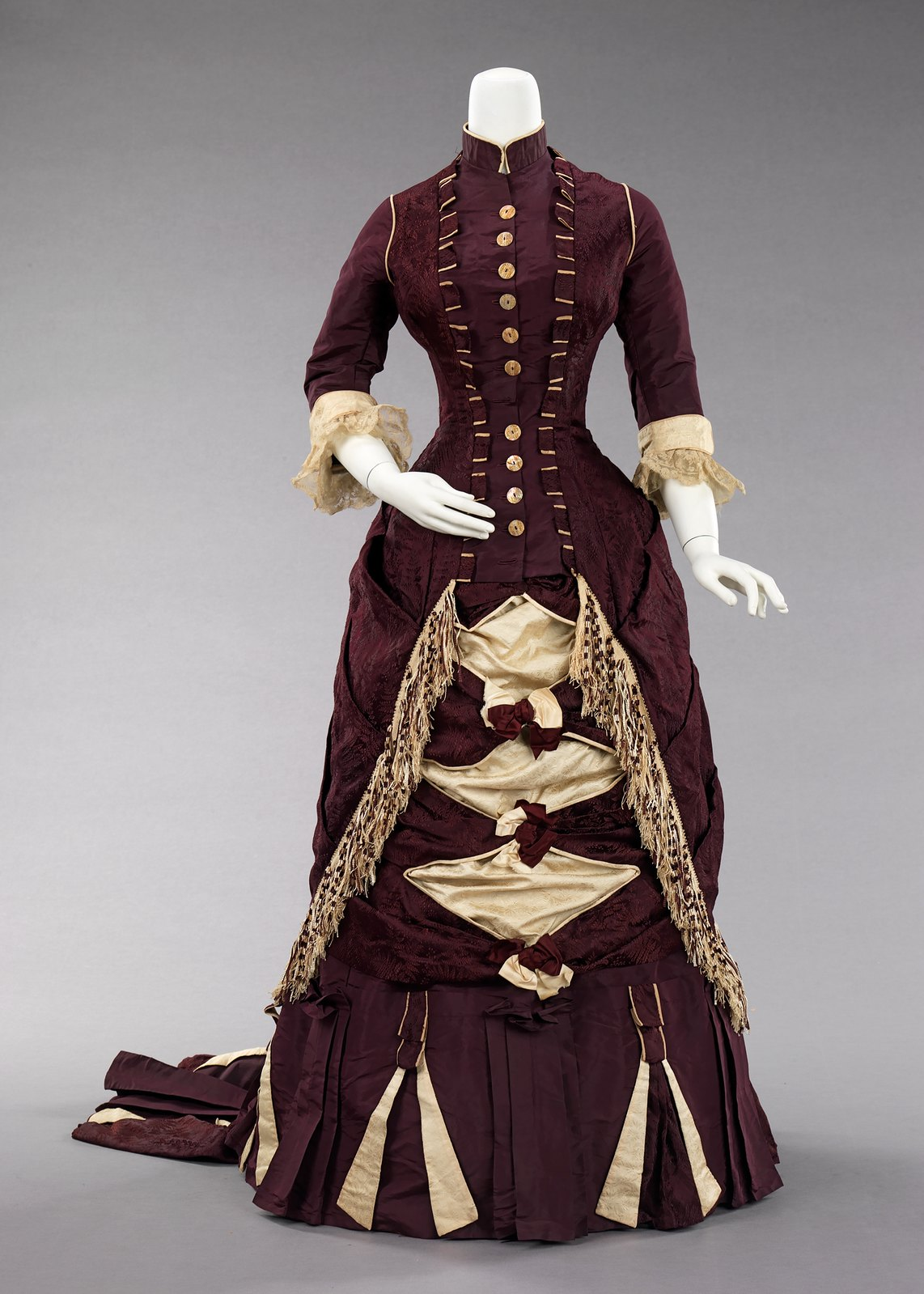 c. 1880. American. Silk, cotton. metmuseum_front