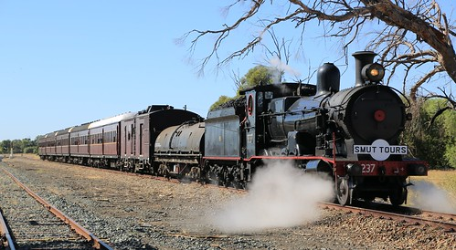 2016-03-19_1041-50-000 3237 on 8S01 at Ungarie