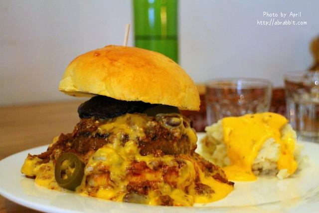 [台中]Just Diner傑斯丹尼–份量超大的美式餐廳,大推漢堡與古巴三明治@西區 模範街