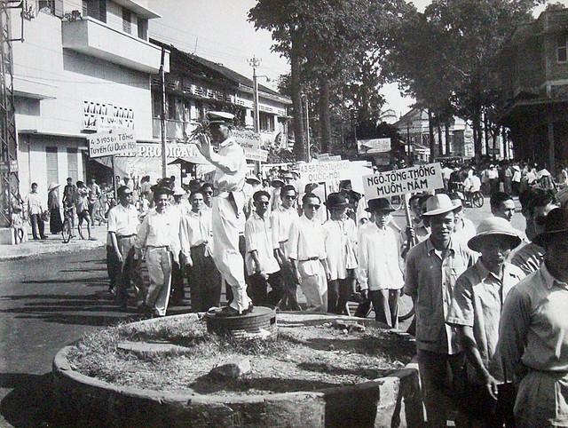 SAIGON 1956 - La campagne électorale à Saigon - Vòng xoay Ngã năm Thái Bình