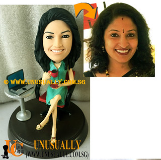 Personalized 3D Sweet Lovely Office Executive Figurine - © www.unusually.com.sg