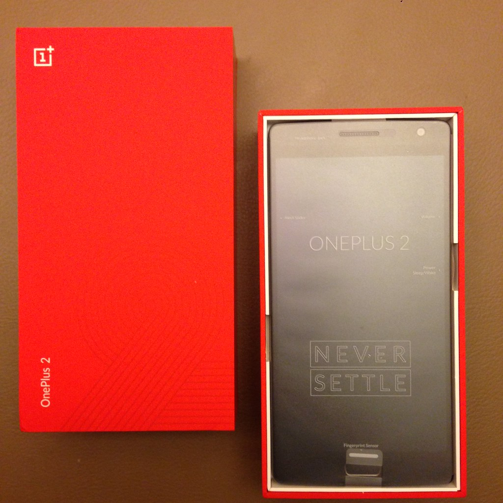 Unboxing the OnePlus 2