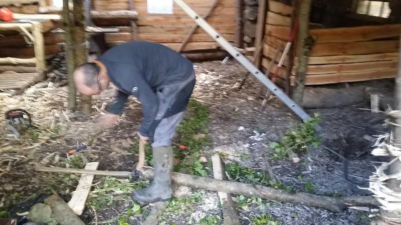 Building Balcombe Camp
