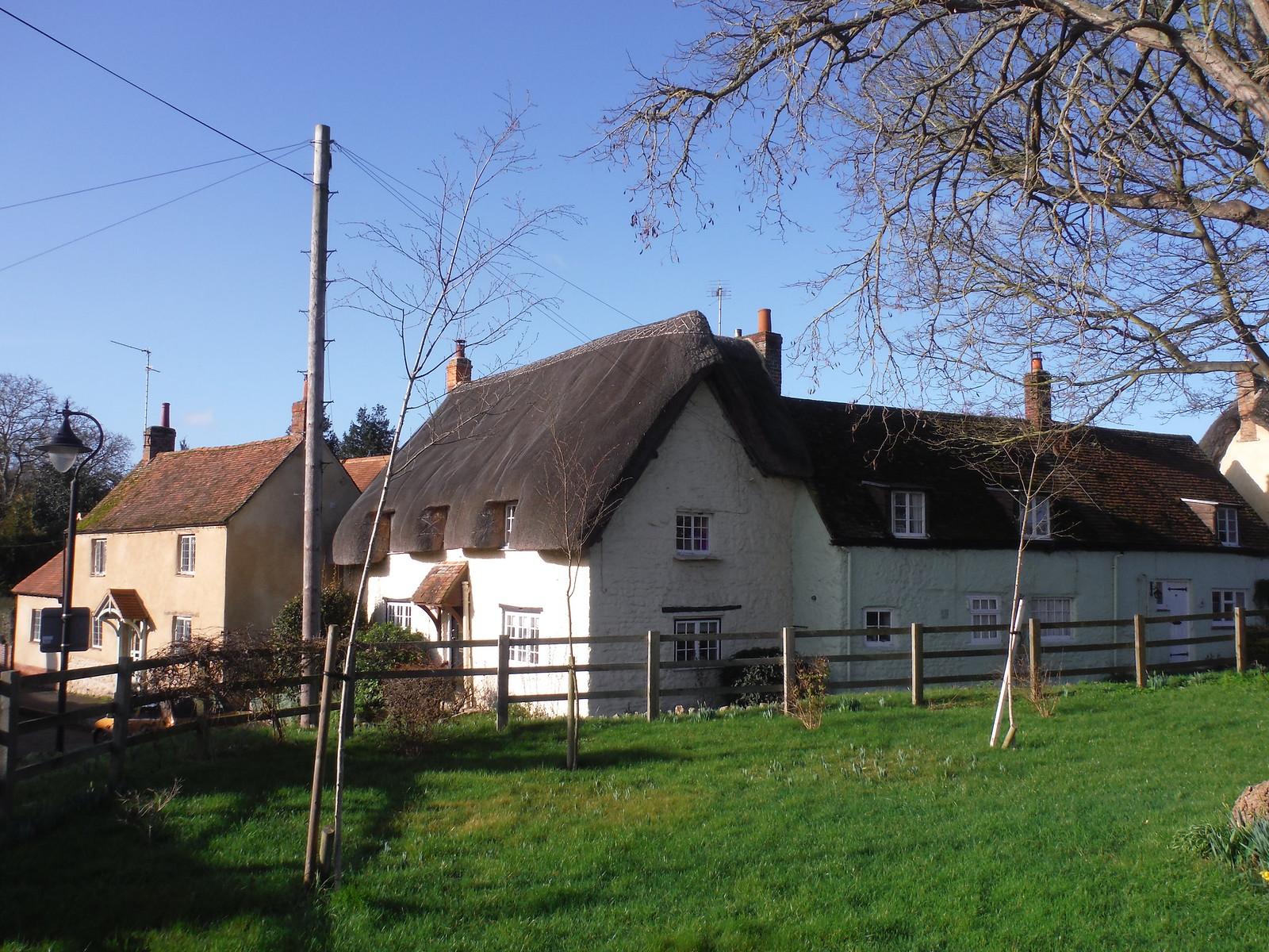 House in Long Crendon SWC Walk 191 Haddenham Circular (via Brill)