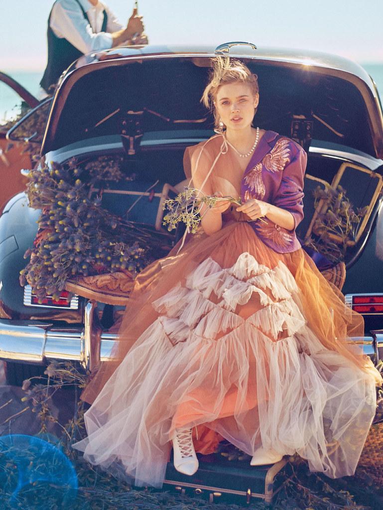Белла Хиткот — Фотосессия для «Glamour» 2016 – 4