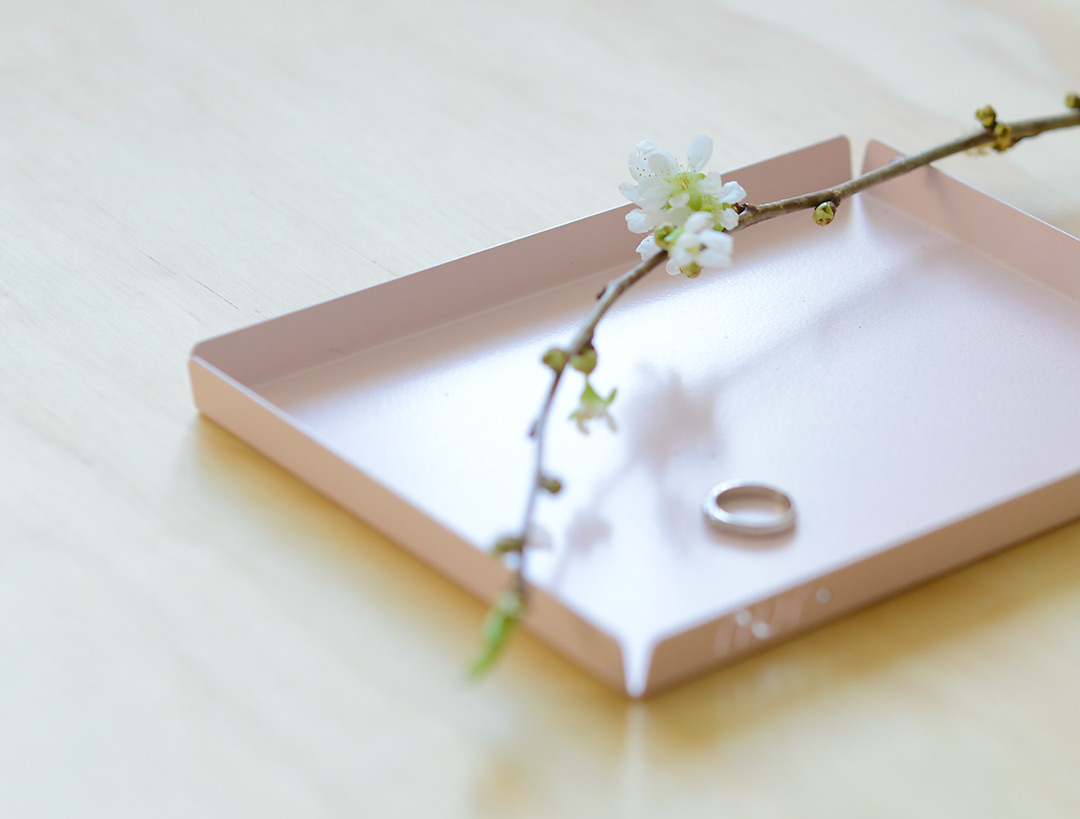 Cherry blossom on pale pink Nur Design tray