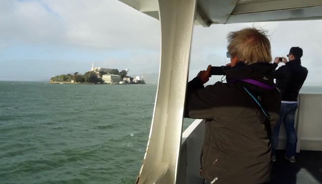 approaching-alcatraz