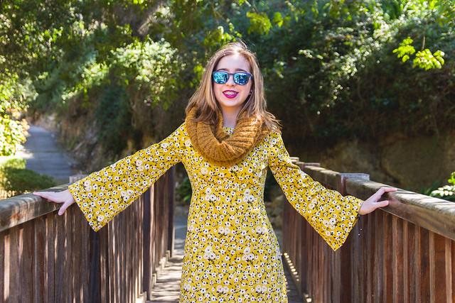 My sister - Yellow dress