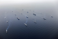 Ships of the Bonhomme Richard Expeditionary Strike Group and Boxer Amphibious Ready Group, along with Republic of Korea Flotilla 5, sail in formation to kick off exercise Ssang Yong 2016. (U.S. Navy/Capt. Ed Thompson)