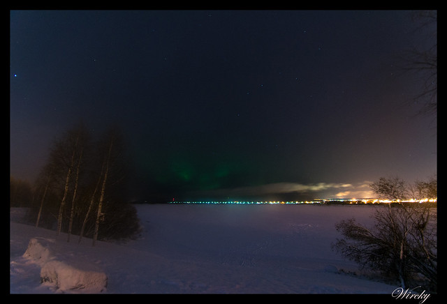 Aurora boreal desde Arktikum en Rovaniemi