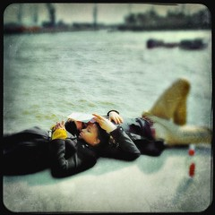 Relaxing on the Quai