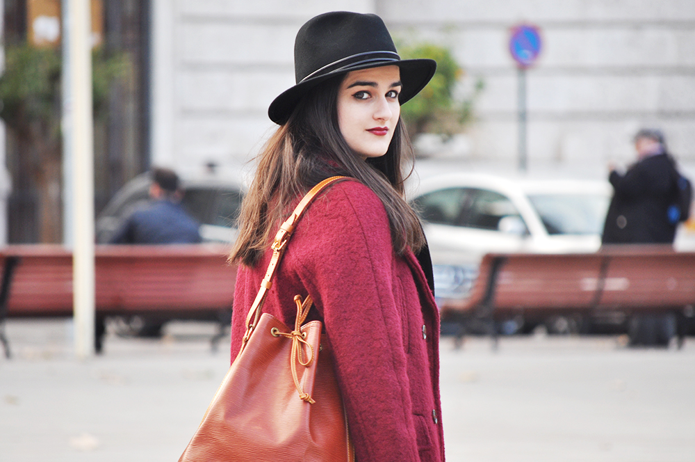 valencia fashion blogger spain somethingfashion fedora hat streetstyle winter boots LV bucket bag coat_0071 copia