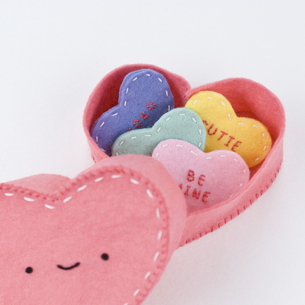 Mini DIY Felt Conversation Hearts
