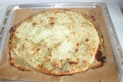31 - Garlic Pizza - Finished baking / Knoblauchpiz…