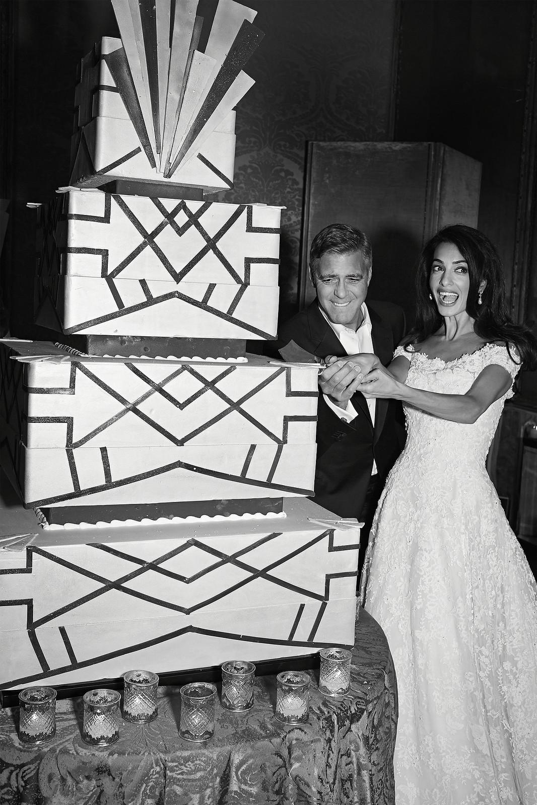 Огромный свадебный торт Джорджа Клуни