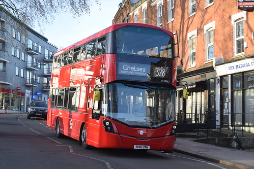 Tower Transit VH38117 on Route 328, Fortune Green