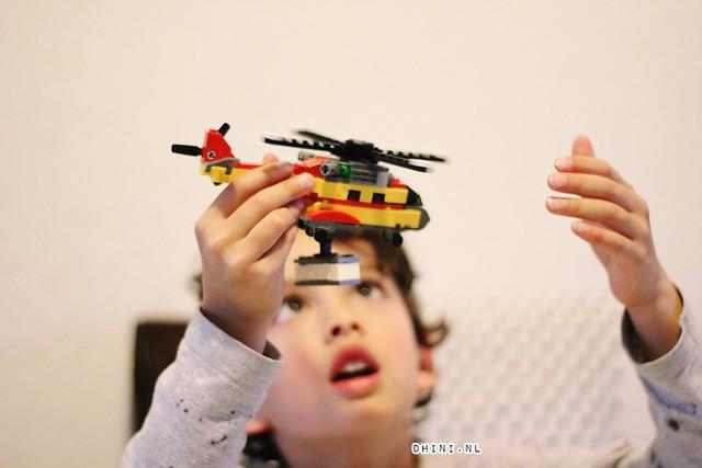 Dj en Lego 31029