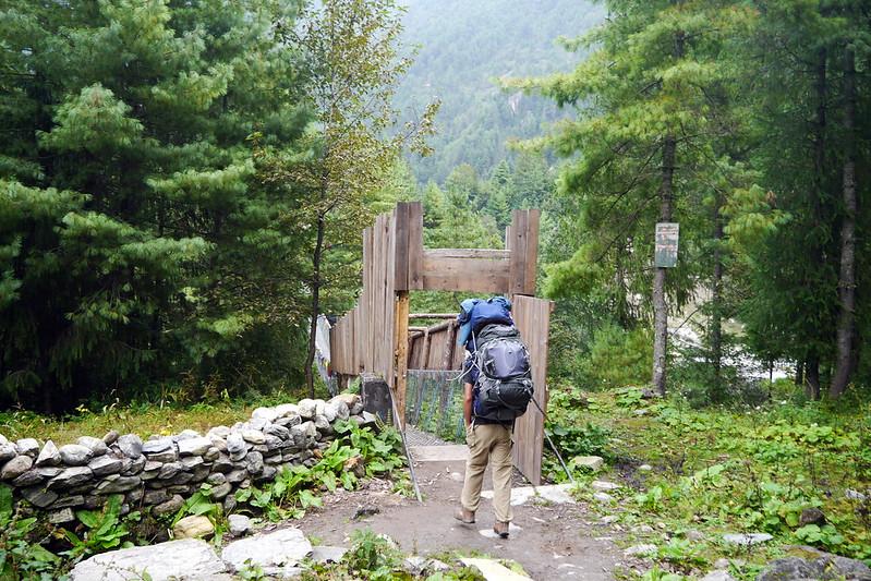 Starting the Nar Valley Trek