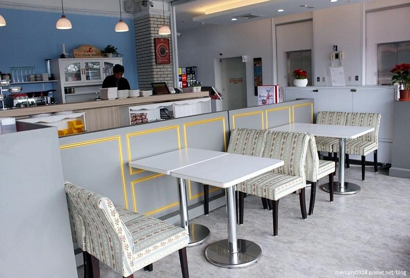 23818915879 c7cb3cf872 b - 台中西屯 Rainbow Waffle Cafe 彩虹國度-咖哩&焗烤專賣店