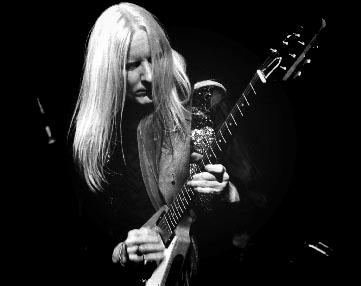 Johnny Winter playing the Gibson Flying V