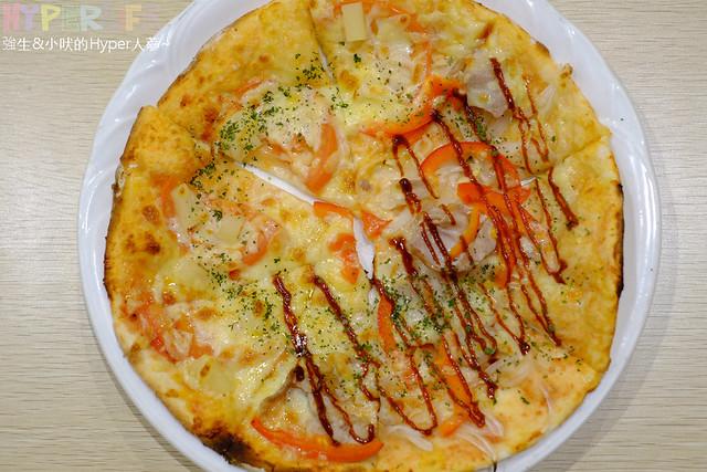 23941282119 c4f85cb95a z - 【熱血採訪】pasta、燉飯和炸雞任你點,加上現點現做多種不同口味8吋Pizza無限供應,《美味關係》義式好料讓你吃到飽啦!!(已歇業)