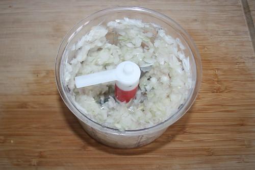 20 - Zwiebel würfeln / Dice onion