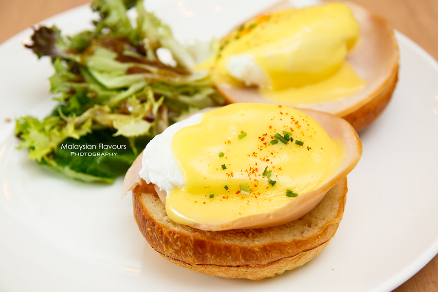 The Pantry KL eggs benedict