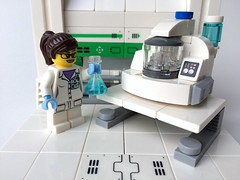 Lego Alien DNA extractor diorama full closeup adjusted